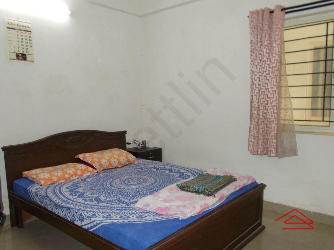 13F2U00175: Bedroom 1