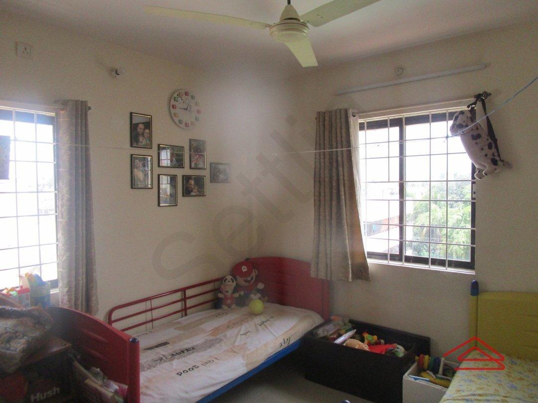 14J7U00008: Bedroom 1