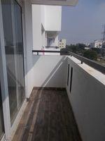 12NBU00250: Balcony 2