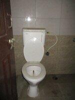 15S9U00693: Bathroom 2