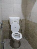 15S9U00693: Bathroom 1
