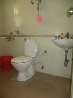 11J7U00023: Bathroom 1