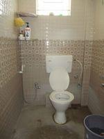 13F2U00309: Bathroom 2