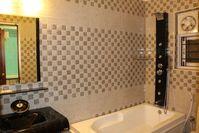 11NBU00148: Bathroom 6