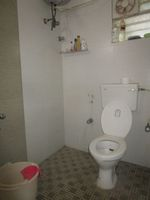 13J7U00117: Bathroom 1