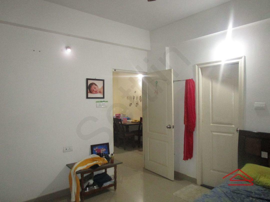 13J7U00117: Bedroom 1