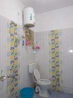 13M3U00083: Bathroom 2