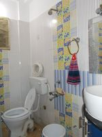 13M3U00083: Bathroom 1