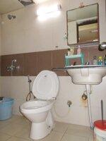 15F2U00214: Bathroom 1