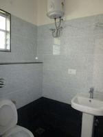 13M5U00179: Bathroom 1