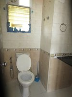 13M3U00025: Bathroom 1