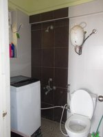 13M3U00025: Bathroom 2