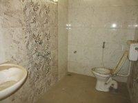 13OAU00013: Bathroom 1