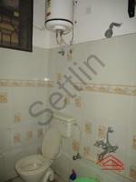 10DCU00059: Bathroom 1