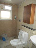 13DCU00266: Bathroom 2