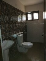 15A8U00128: Bathroom 3