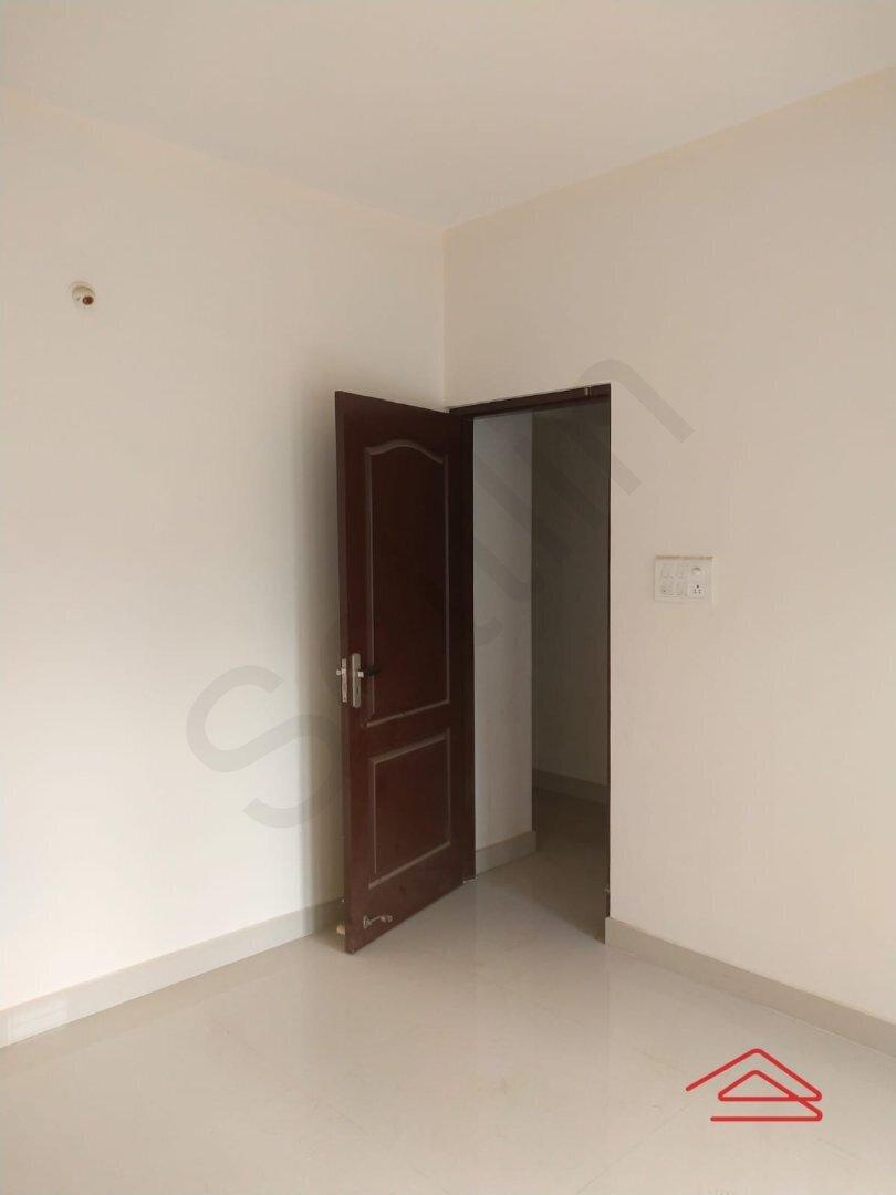 15A8U00128: Bedroom 1