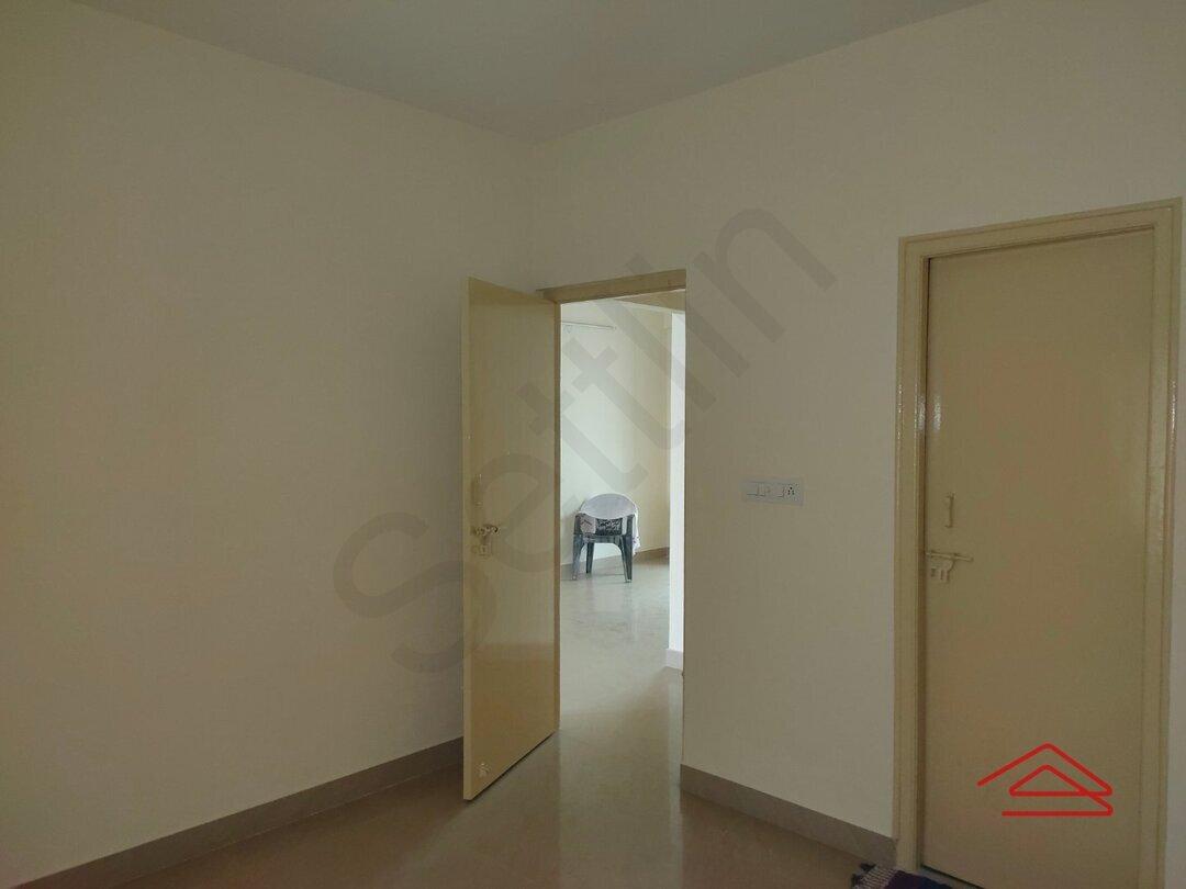 15J1U00099: Bedroom 1