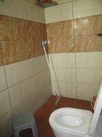 15S9U00784: Bathroom 1
