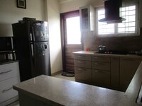 15S9U00784: Kitchen 1
