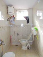 12OAU00105: Bathroom 2