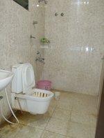 13S9U00089: Bathroom 3