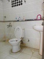 13S9U00089: Bathroom 2