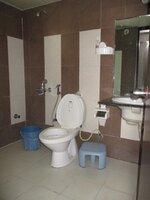 15S9U00857: Bathroom 2