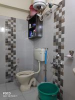 12OAU00242: Bathroom 2