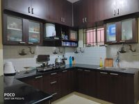 12OAU00242: Kitchen 1