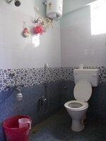 15F2U00068: Bathroom 1