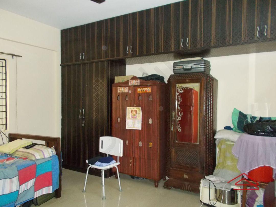 13F2U00076: Bedroom 1