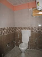 13J6U00577: Bathroom 1