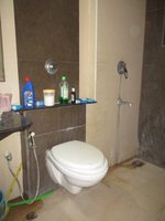 14F2U00512: Bathroom 2