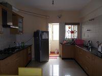 13J1U00136: Kitchen 1