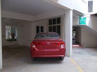 13J1U00136: parking 1