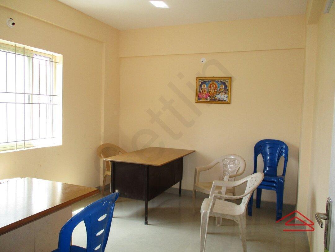 15OAU00161: Bedroom 1