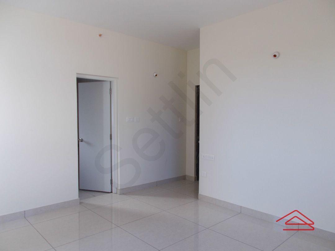 13M3U00137: Bedroom 1