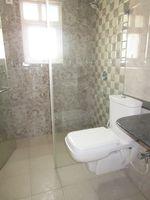 13M3U00386: Bathroom 1