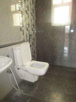 13M3U00386: Bathroom 2
