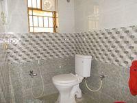 12A8U00212: Bathroom 1