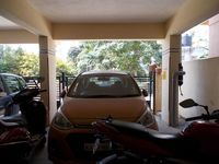 12A8U00212: parking 1