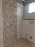 15J6U00037: Bathroom 1