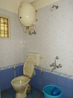 13M5U00682: Bathroom 1