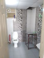 13A4U00275: Bathroom 1