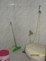 15J7U00139: Bathroom 1