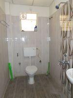 13M5U00599: Bathroom 2