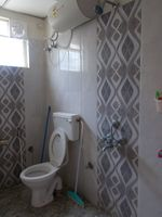 13M5U00599: Bathroom 1