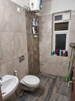 15F2U00208: Bathroom 1