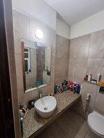 15F2U00208: Bathroom 2